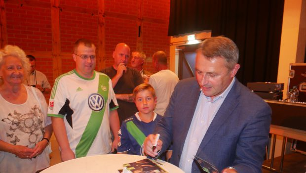 hallo-Talk mit VfL-Manager Klaus Allofs in Salzgitter